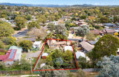 6 Stretton Crescent, Latham ACT 2615