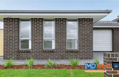 2 Bedrooms Modern Granny Flat with Lock Up Garage