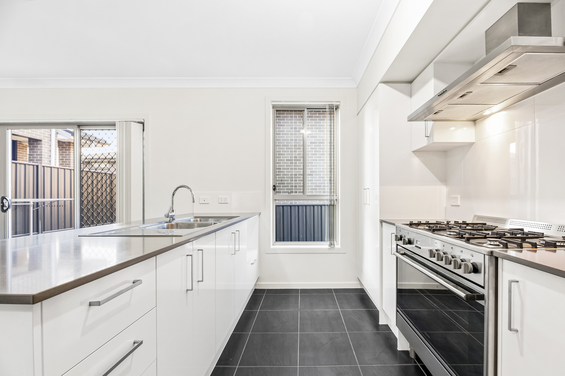 DUAL OCCUPANCY FAMILY HOME WITH STUDIO IN THE HEART OF EDMONDSON PARK.